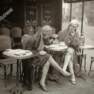 Anne Lauricella Ecriture dans les cafés Paris
